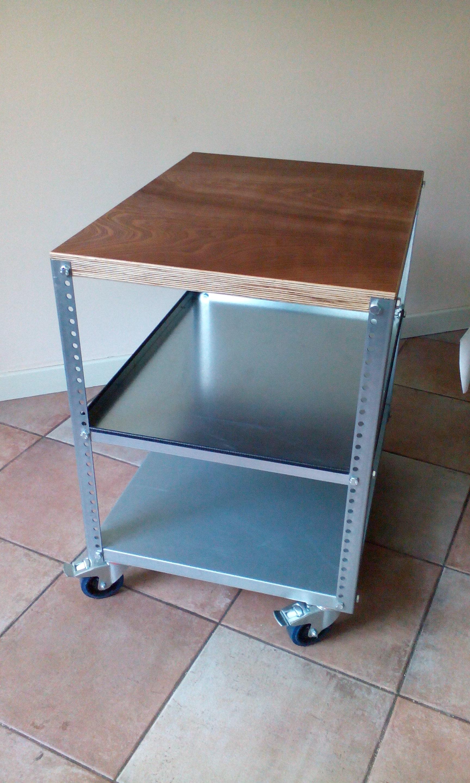 pc tisch overhead tisch tischwagen klein und gro clever equipment products bv. Black Bedroom Furniture Sets. Home Design Ideas