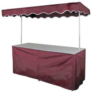 Falttisch mit roter Verkleidung
