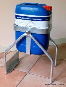vatenkantelaar met 20 liter.2