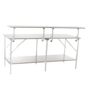 Tisch mit Aufsetzplateaus